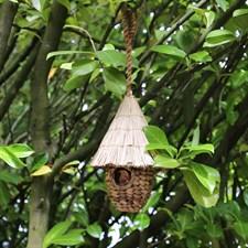 Nichoir en jacinthe d'eau et chaume